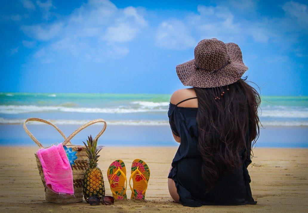 Slapi de plaja si papuci de dama ieftini de firma-min