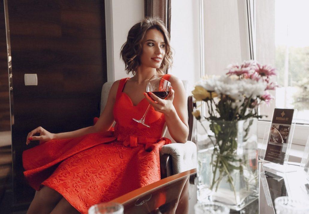 rochii rosii elegante 2019
