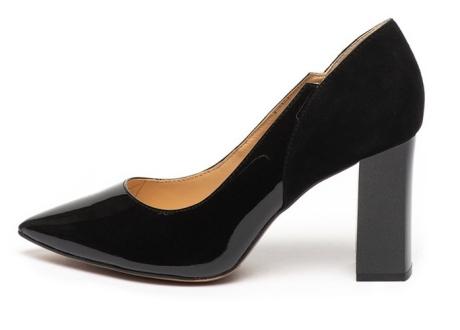 Caprice Pantofi de piele lacuita si piele intoarsa, cu varf ascutit