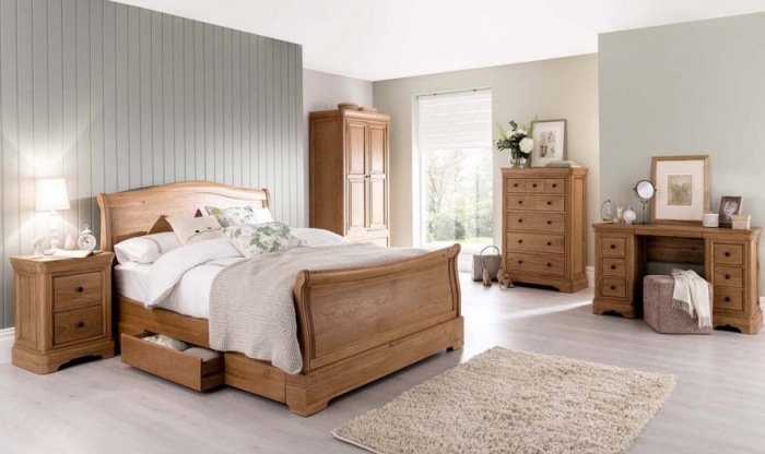 Set Mobila Dormitor din lemn de stejar si furnir