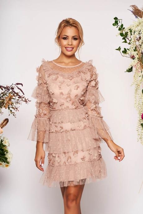 Rochie roz prafuit scurta de ocazie din tul in clos cu flori in relief cu maneci clopot si decolteu rotunjit