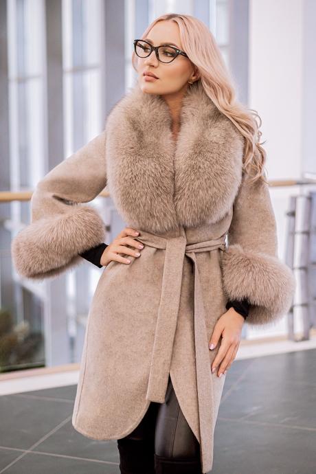 Palton dama bej din lana de alpaca cu guler din blana naturala de vulpe cu par lung Natasha
