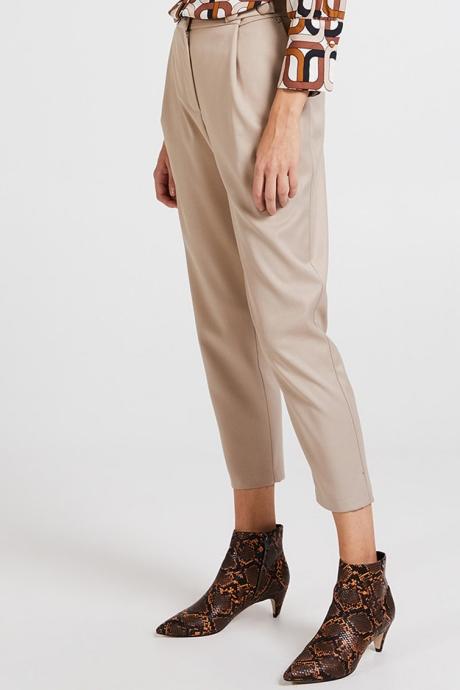 Motivi Pantaloni cu croiala conica si pliuri