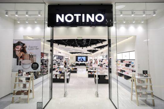 Cumparam sau nu parfumuri de firma de la Notino?