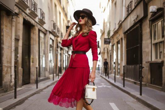 Primavara la birou – rochii office ieftine pentru doamne si domnisoare de orice varsta