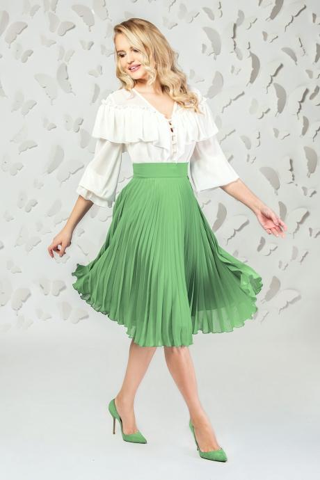 Fusta PrettyGirl verde eleganta midi plisata in clos din voal captusita pe interior