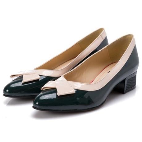Pantofi verde inchis cu toc jos cu detalii in relief si fundita bej pe varf