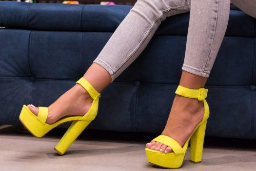 Sandale cu toc pentru primavara-vara 2020 disponibile online cu pret mic