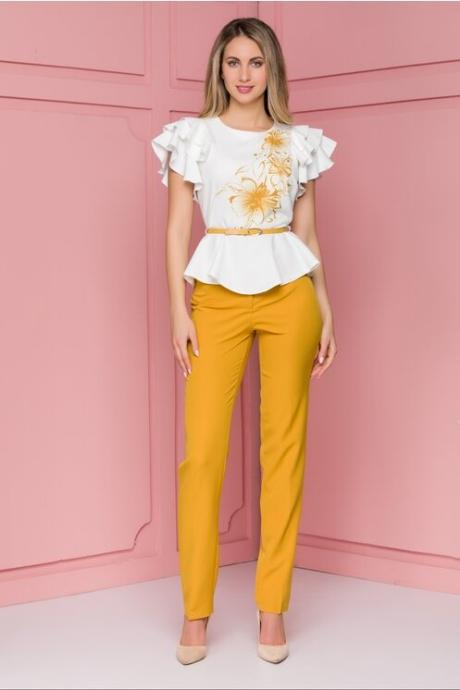 Compleu Sara cu plantaloni galbeni si bluza cu imprimeu