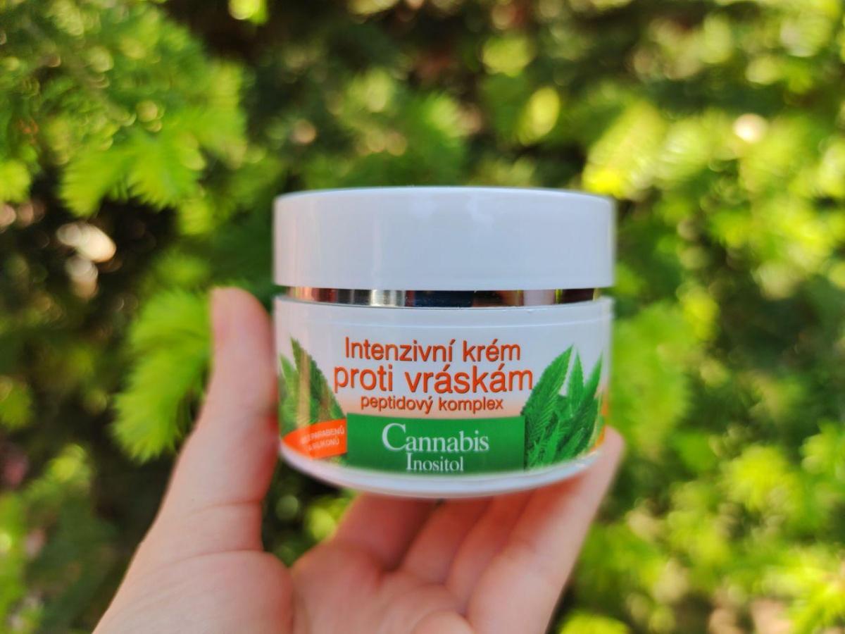 Crema intensiva impotriva ridurilor Cannabis de la Bione Cosmetics - review si pareri2