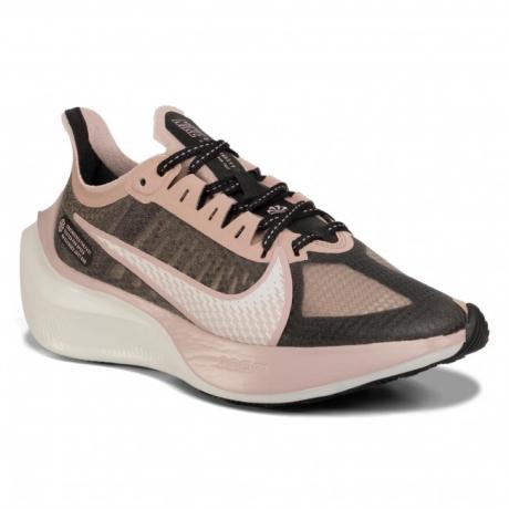 Pantofi NIKE 3
