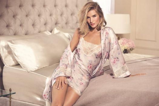 Cele mai frumoase camasi de noapte din satin disponibile la magazinele online